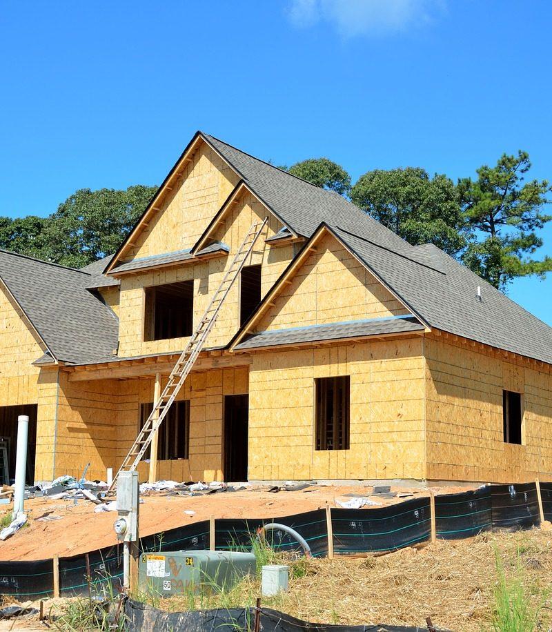 Adekwatnie z bieżącymi wzorami świeżo stawiane domy muszą być oszczędnościowe.